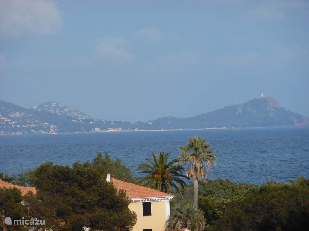 Vacation rental France, French Riviera, Saint Aygulf -  penthouse Le Palatin
