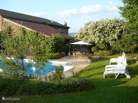Vacation rental France, Auvergne, Dore-l'Église Chalet L`Etoile Dore domaine & vakantiepark