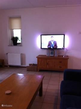 neue große TV mit Ambilight im Herbst 2013 in Verkehr gebracht