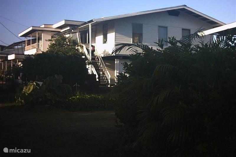 Luxe vakantiewoning Huize Roza in Paramaribo, Paramaribo huren? | Micazu