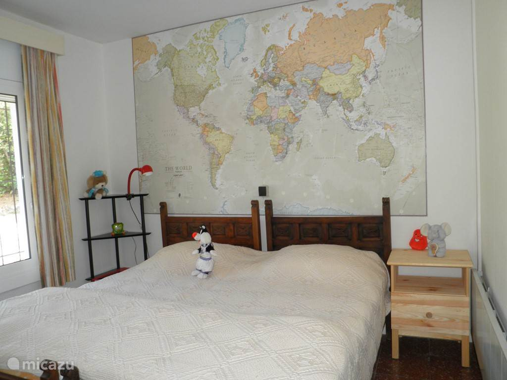 2e slaapkamer, 2x 1persoonsbed 200x80cm