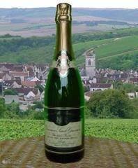 Het openen van een Cremant de Bourgogne