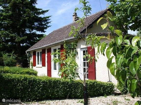 Vacation rental France – holiday house La Source