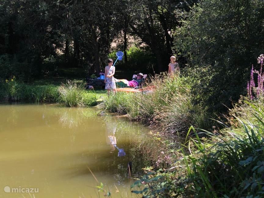 Aan het meer is het écht geweldig toeven, voor jong en oud.