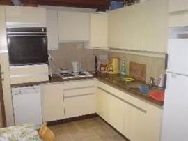 volledig ingerichte keuken met inductie kookplaten