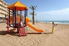 Eén van de vele stranden van Guardamar (blauwe vlag)