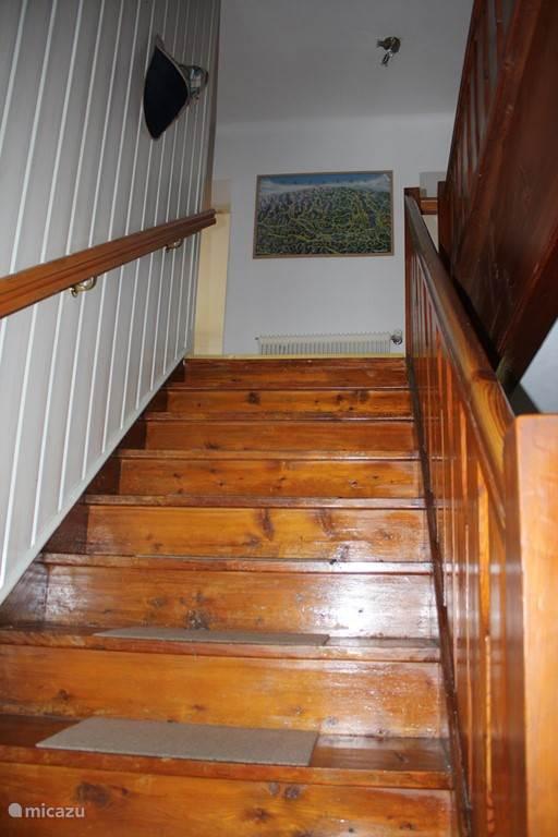 Trapopgang naar 1e verdieping.