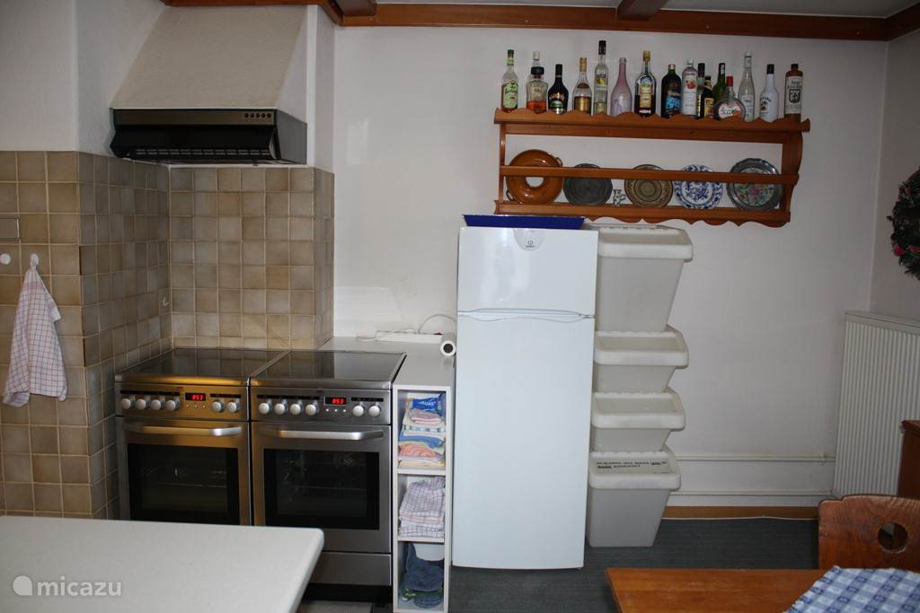 De kookhoek in de keuken.