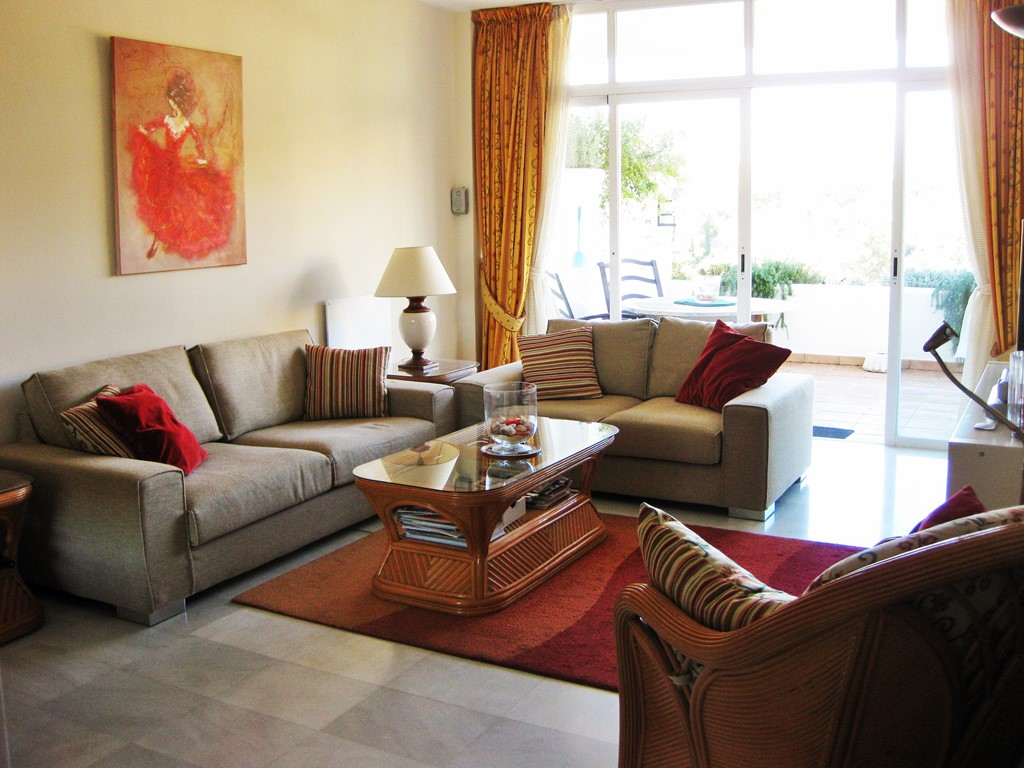 Indien u ons 4 pers. appartement Eagles Village in Marbella boekt nú boekt voor 2018, komen voor u de  schoonmaakkosten ad 150,00 euro te vervallen.
