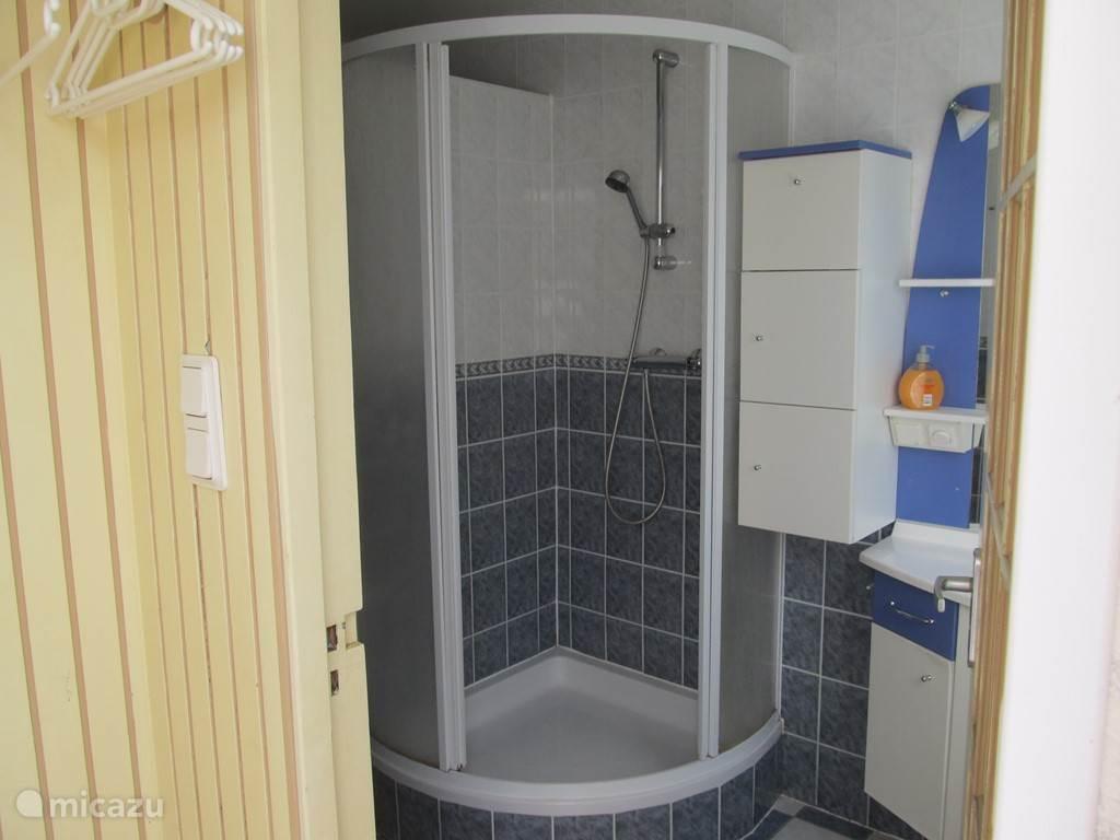 Moderne afsluitbare douche.