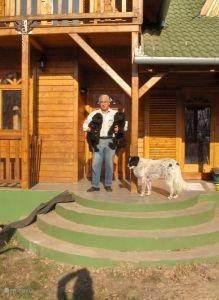 Baasje met 2 Puli-pups en Csutora (Marai Sándor)