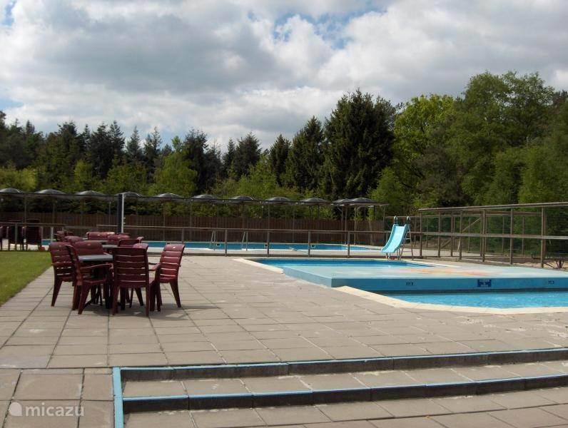 Het kleuter-zwembad.