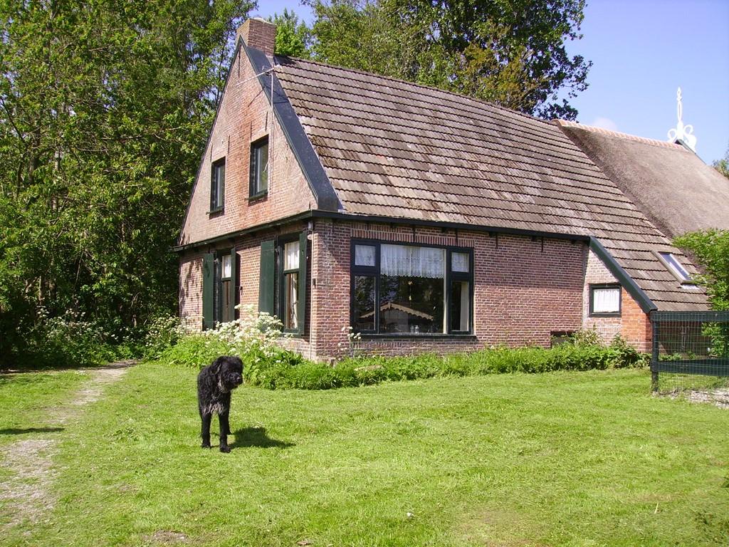 Kom tot rust op deze unieke locatie bij het Nationaal Park Lauwersmeer, tot 17 februari 15% korting, 2 honden gratis mee en een heerlijke fles wijn!
