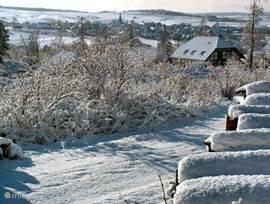 winterlandschap in Frankenau, achter de woning