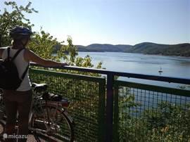 even uitblazen en genieten van een prachtig uitzicht over de Edersee
