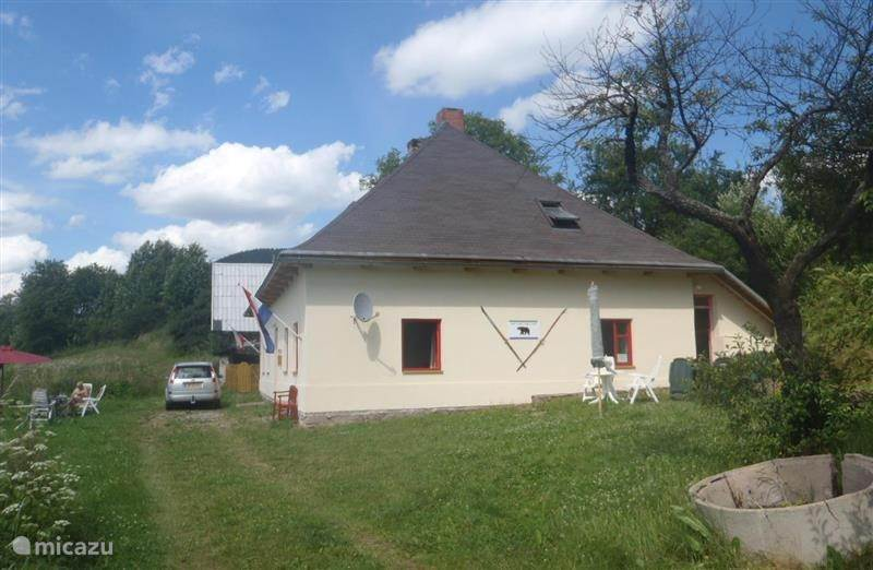 Vacation rental Czech Republic, Giant Mountains, Bernartice holiday house Vakantie- Jachthuis HEBRA