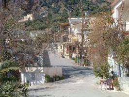 Mithi is an authentic and lively Cretan village with 90 inhabitants. (Photo May 2004)
