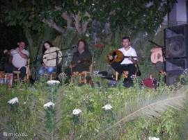 Fete in Mithi. Up in the morning. Here Lyra Player Psarantonis. (Photo summer 2006, thanks to a tenant)