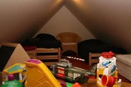 Speelgoed voldoende en onze kleinste gasten vinden het prachtig en vermaken zich goed in eigen hun domein.