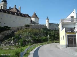 Regio vol met bossen, bergen, kloosters en kastelen