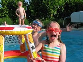 Plezier in het zwembad