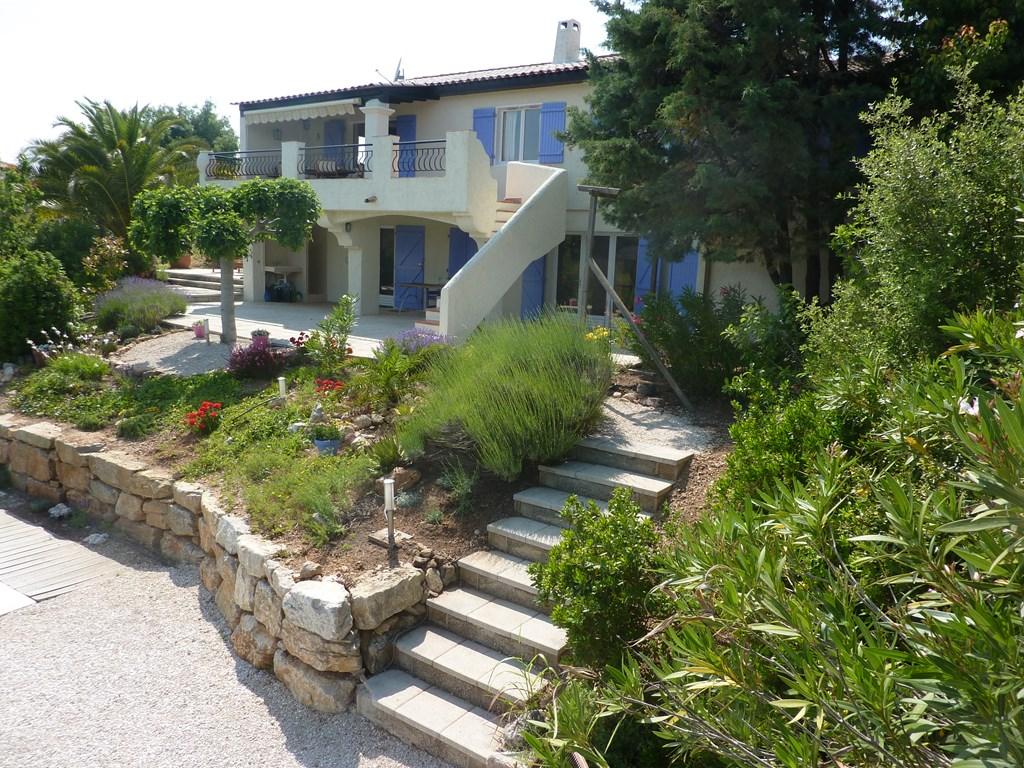 Door omstandigheden is deze villa vrij in de periode 30 juni-7 jul Lekker uw privé zwembad en strand op 15 minuten deze periode krijgt u 10% korting