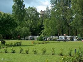 The mobile home is on camping Du Vieux Château, quiet and cozy. There are already some mobile homes were built and the bushes are a little higher, so you have more privacy.