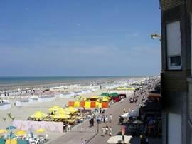 Strand im Sommer (rechts Ansicht)
