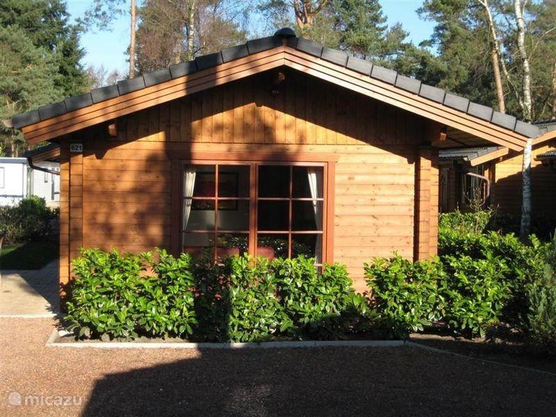 Boekhorst 621 is een luxe houten bungalow, net buiten Lochem gelegen op het mooie Landgoed Ruighenrode met vele faciliteiten zoals gratis gebruik van zwembad De Beemd, een binnenspeeltuin en animatie in de schoolvakanties.   De Hanzesteden Zutphen en Deventer bevinden zich op korte afstand.