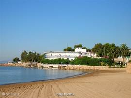 Playa Hortets. een van de vele kleinere stranden va Sant Carles.
