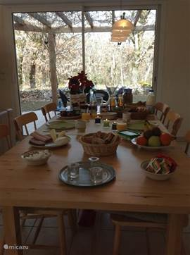 Outside the high season, even breakfast service organized for you when desired. Question as to the possibilities and Martijn Jeroen.