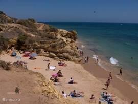 de mooiste en schoonste stranden in omgeving, allemaal anders van karakter. Groot en breed maar ook heel klein.Juist genoeg voor enkelen.