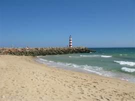 mooie vlakke stranden voor een lange strandwandeling.