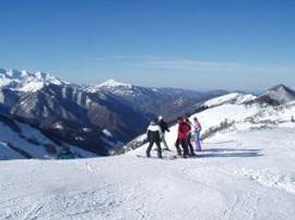 skiing in Guzet Neige, the Mourtis in the months December jan and feb.