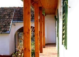 veranda tanya