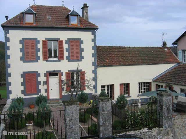Vacation rental France, Burgundy, Plainefas - holiday house Le Frutier