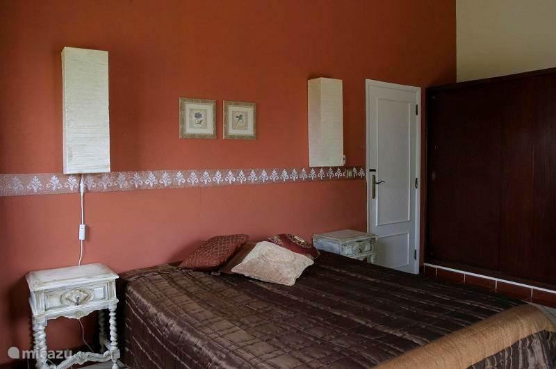 ouder slaapkamer met bed van 160x200