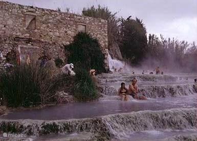 Te zien dichtbij Sorano