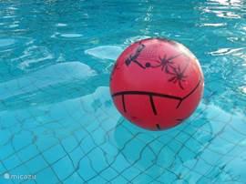 Zwemmen in de Therme di Sorano, ook met een natuurlijk warm bad.