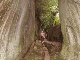 Sorano, Via Cava: prachtige wandeling via deze oude weg naar de overkant.
