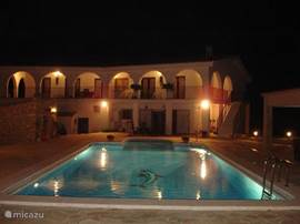 Finca Tierra Roja bij nacht