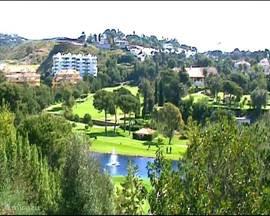 Een van de vele golfclubs in de omgeving