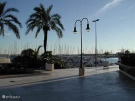 Torrevieja centrum zicht op haven