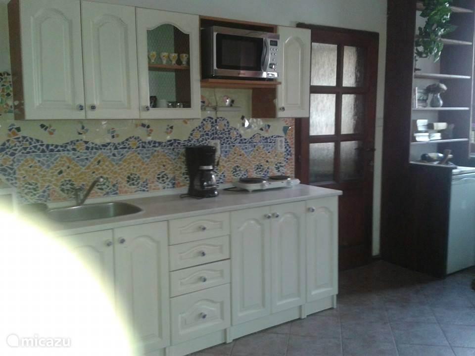 Keukenblok in het appartement