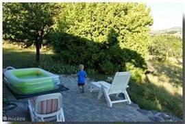 Hardloop-wedstrijd rondom het huis. Foto genomen vanaf de veranda.