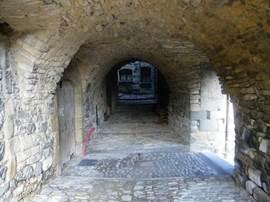Een straatje in het oude centrum van Mirabel.