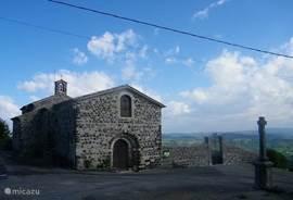 Het R.K. zomerkerkje van Mirabel, aan de rand van het dorp.
