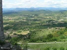 Uitzicht bij dezelfde Tour de Mirabel, naar het westen.