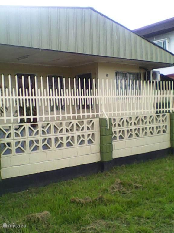 Vakantiehuis Suriname – vakantiehuis Huize Tilly