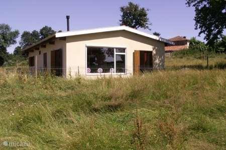 Vacation rental France, Charente, Lessac bungalow L`hirondelle